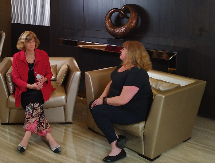 Geni Whitehouse Interviews Joanie Mann